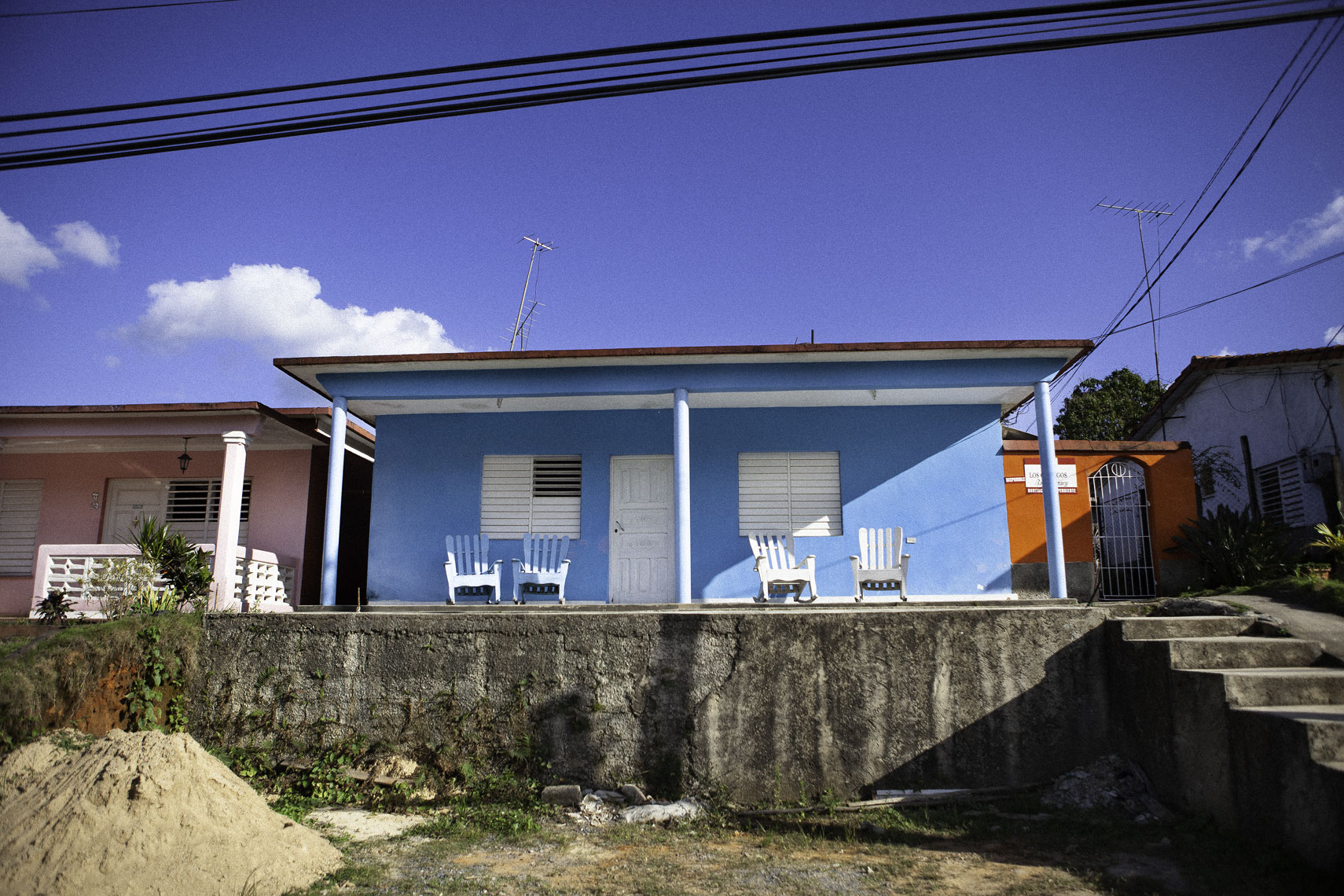 Vinales-blue-house-print