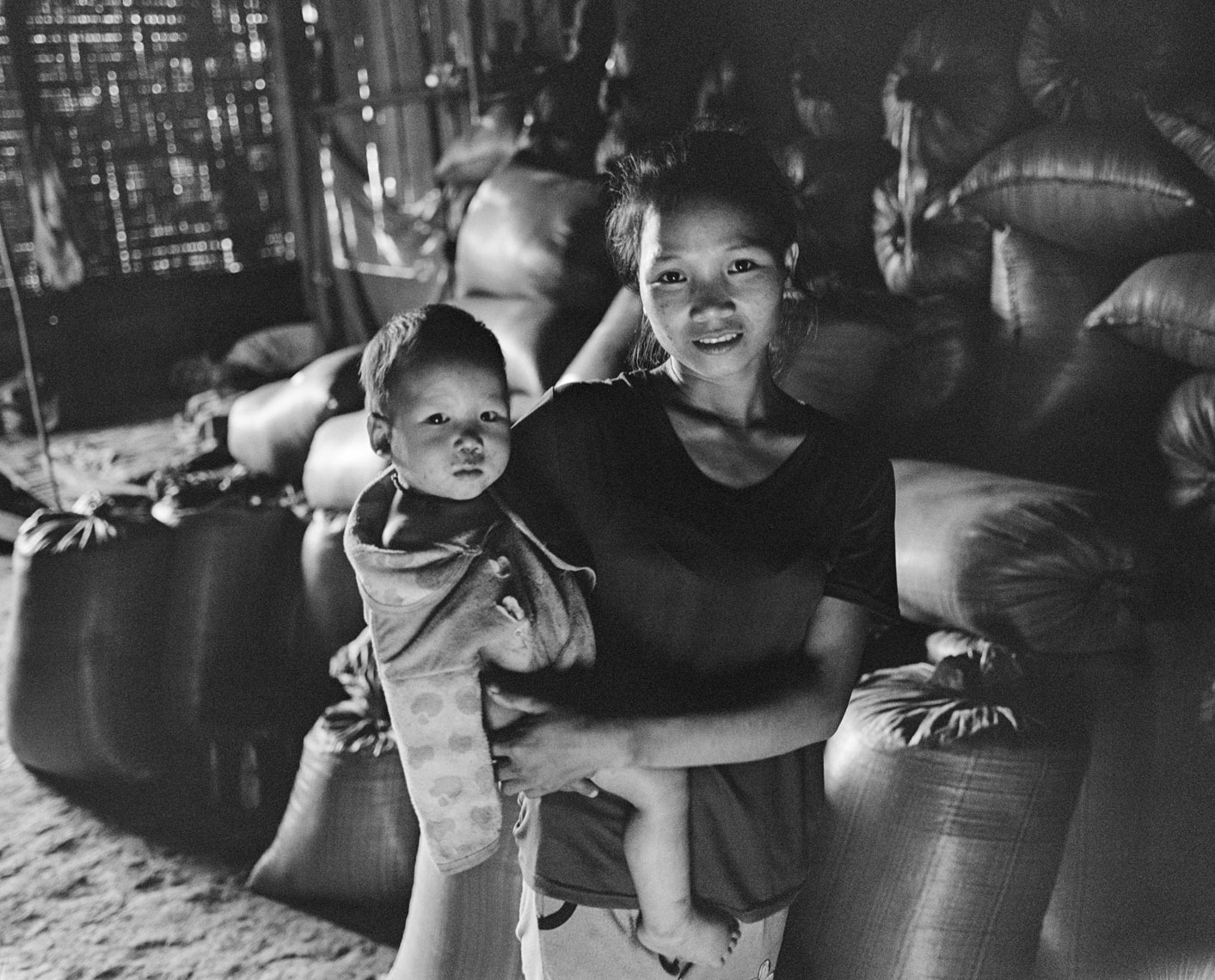mother-and-baby-luang-namtha-village
