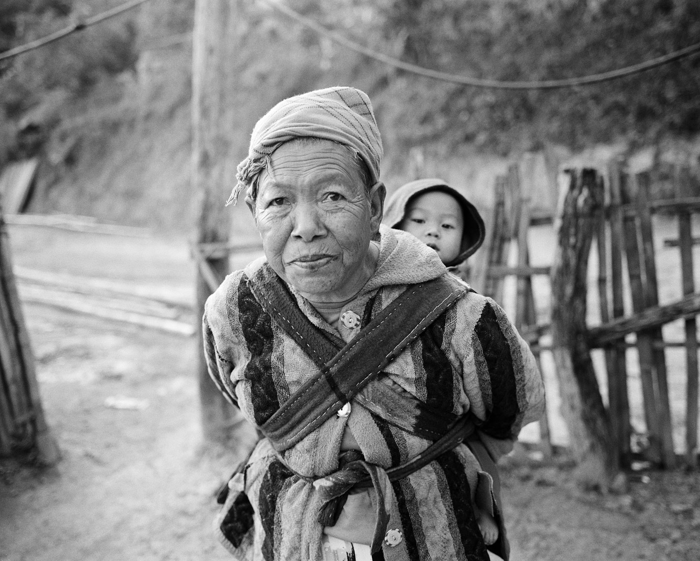 old-woman-with-baby-print-1.jpg