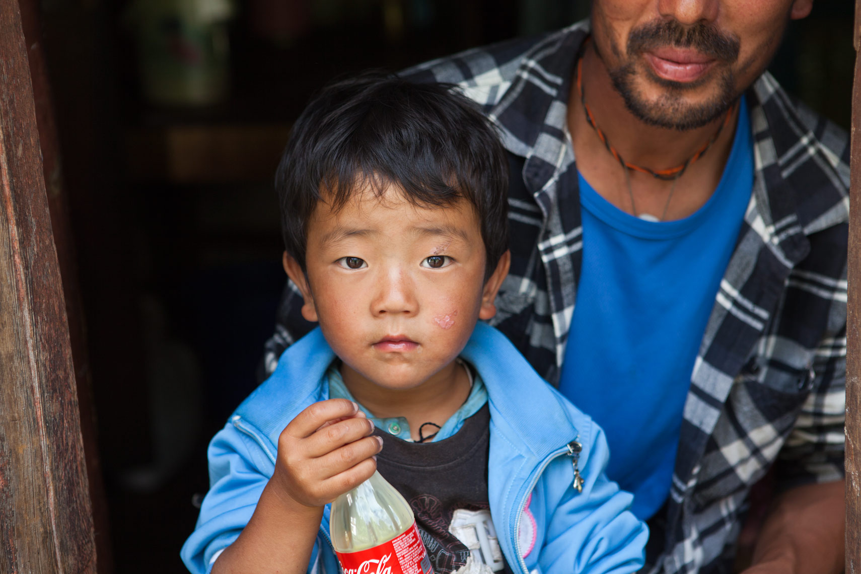 trongsa-boy-and-father-print